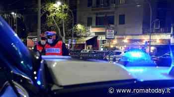 Ladro al Pigneto: sorpreso dai carabinieri scappa a bordo di un tram