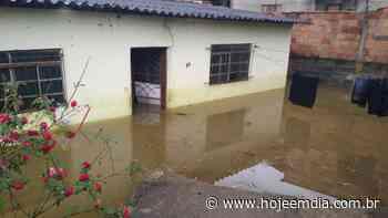 Chuva deixa casa e ruas alagadas em Matozinhos, na Grande BH; moradores ficaram ilhados - Hoje em Dia