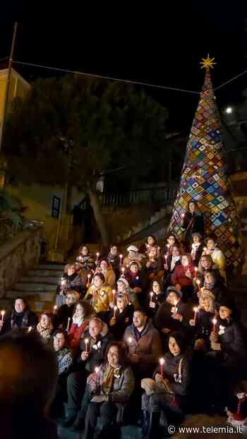 Pentone: Un albero di Natale per ridare speranza in tempo di Covid - Telemia - Telemia