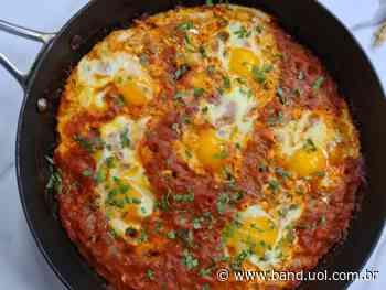 Shakshuka: veja a receita do chef Itai Garousi - uol.com.br