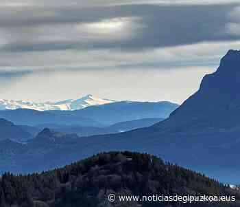 Los Pirineos, desde el monte Irimo de Urretxu - Noticias de Gipuzkoa