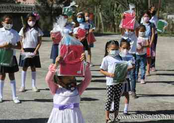 En la aldea Monte Redondo Sur no faltó el apoyo a la educación - ElHeraldo.hn