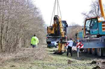 Unfall in Oppenweiler - Bagger stürzt von Tieflader – hoher Schaden - Stuttgarter Nachrichten