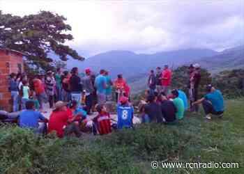 Comunidad de Hacarí exige el retiro de dos bases militares de la región - RCN Radio