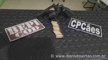 Polícia Militar aborda veículo entre as cidades de Milagres e Brejo Santo e aprende arma e munições - Diário do Sertão