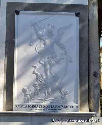 Lapide dedicata a San Michele nel cimitero a Sala Consilina - Giornale del Cilento