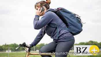 Verkehrsrecht: Telefonieren auf dem Fahrrad: Was erlaubt ist und was nicht