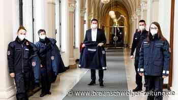 Braunschweigs Ordnungsdienst hat nun blaue Uniformen