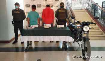 Capturados dos hombres en Aguadas por microtráfico - Caracol Radio