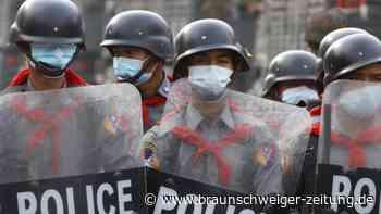 Nach Militärputsch: Generalstreik und Massendemos in Myanmar