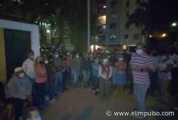 Realizan vigilia en la urbanización Sucre en memoria de Gisela Mendoza #20Feb - El Impulso