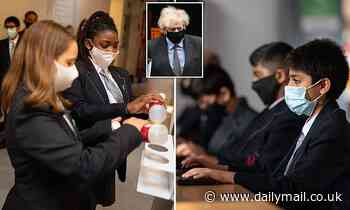 Covid England: Secondary school pupils to wear face masks in lessons