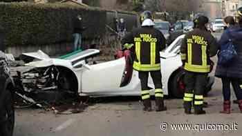 Rovellasca, distrugge una Lamborghini contro alberi e auto parcheggiate: ferito grave - QuiComo