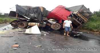 Duas carretas colidem entre Vilhena e Pimenta Bueno na BR-364 - Rondo Notícias