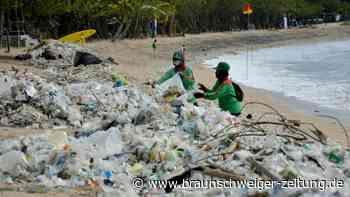 Kampf gegen den Müll an Balis Stränden