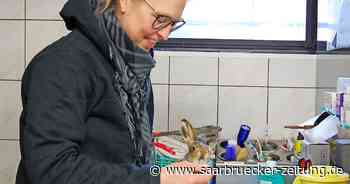 Jennifer Knur-Schmidt aus Spiesen-Elversberg arbeitet in der Wildtierauffangstation Eppelborn - Saarbrücker Zeitung