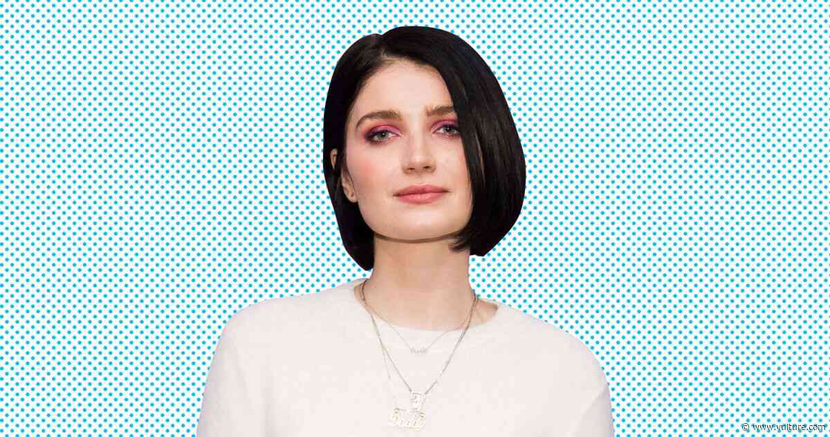 How Behind Her Eyes' Eve Hewson Calibrated Her Adele Performance For That Final Twist - Vulture