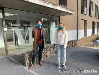 """Eerstelijnswerkers krijgen gepersonaliseerde mondmaskers als beloning: """"Ze gaan die wellicht nog lang moeten gebruiken"""""""