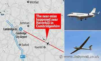 250mph private jet almost hits glider at Cambridge City Airport