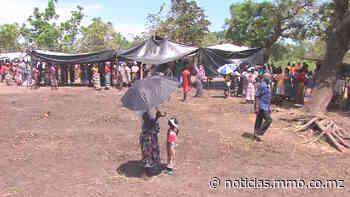 """Famílias reassentadas em Guara-Guara dormem """"apinhadas"""" na mesma tenda em Sofala - MMO - MMO Notícias"""