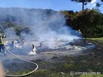 Incêndio destrói casa de 120 m² em Bom Jardim da Serra - ND