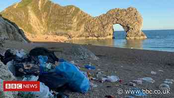 Durdle Door beach owners call for 'basic manners' code
