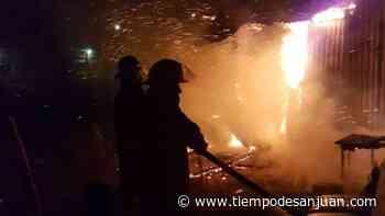 Incendio en Santa Lucía: las llamas destruyeron un parte de casa y hubo pérdidas materiales - Tiempo de San Juan