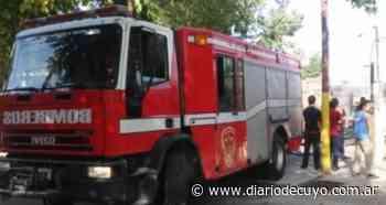 Un incendio arrasó con la habitación de una casa en Santa Lucía - DIARIO DE CUYO