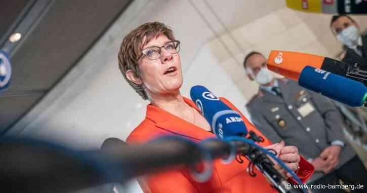 Munitionsaffäre im KSK: Kramp-Karrenbauer gesteht Fehler ein