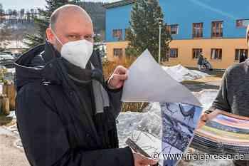 Fotograf bereitet mit Kalendern in Olbernhau Freude - Freie Presse