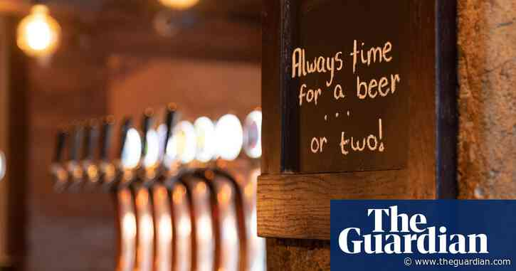 New Zealand police reveal student binge drinking strategy: more pubs