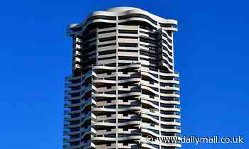 Man plunges to his death from Sydney's Horizon building in Darlinghurst
