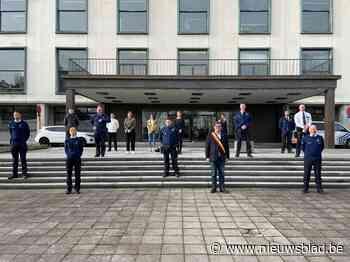 Nieuwe personeelsleden bij de lokale politie leggen eed af