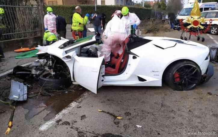 Rovellasca, si schianta con la Lamborghini contro gli alberi: aveva preso l'auto a noleggio - Fanpage.it
