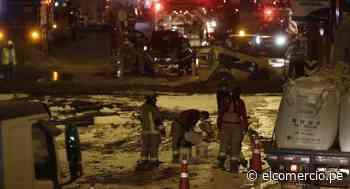 San Borja: gran congestión vehicular se presentó en la Panamericana Sur por derrame de combustible   FOTOS - El Comercio Perú