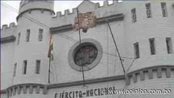 Militares aclaran que escudo nacional de museo en Sucre se encuentra en restauración - Opinión Bolivia