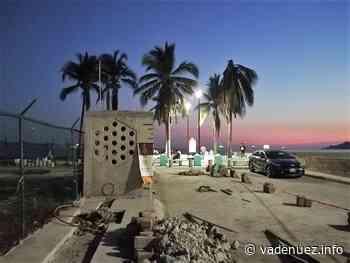 Construye Ayuntamiento de Manzanillo sanitarios en tres playas - Noticias Va de Nuez