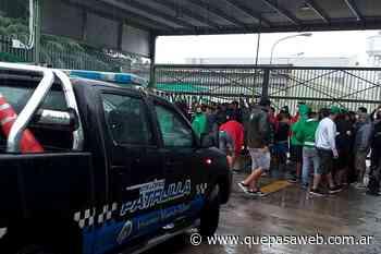 Gremio de Camioneros bloquea una empresa de logística en Villa Adelina - Que Pasa Web