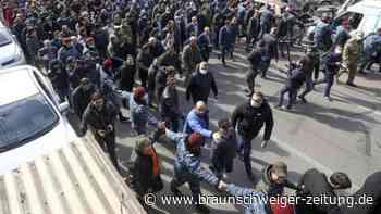 Südkaukasus: Armeniens Regierungschef sieht Putschversuch der Armee