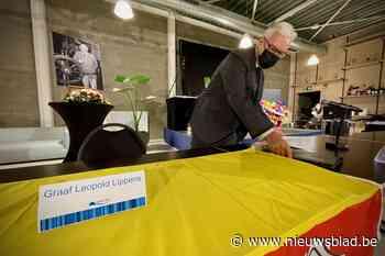 Laatste symbolische gemeenteraadszitting voor Leopold Lippens, met eerbetoon en lege stoel