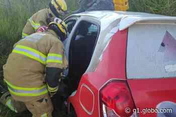 Acidente envolvendo carro da Prefeitura de Monte Carmelo deixa uma pessoa morta e duas feridas em Uberaba - G1