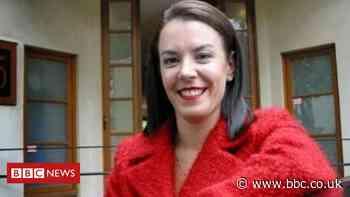 Melissa Caddick: Missing fraud suspect's foot found on Australian beach