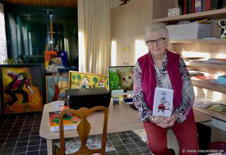 """Nelly (86) brengt op gezegende leeftijd eerste boek uit via Amsterdamse uitgeverij: """"Ik kon maar proberen"""""""