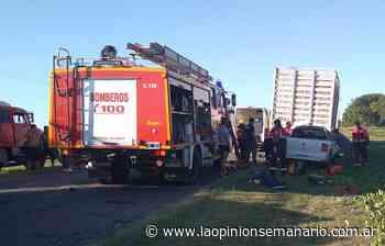 Ruta 191: camioneta impactó contra un camión y Bomberos de Santa Lucía rescataron al conductor | La Opinión - La Opinión Semanario