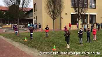 Flashmob der Chorklassen - Grundschule Broistedt dabei