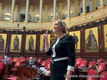 Cathy Coudyser (N-VA) legt eed af en volgt Muyters op als senator
