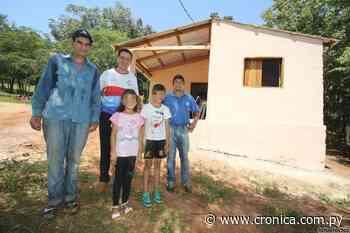 De vivir en el monte a la casa propia gracias a la gente - Crónica.com.py