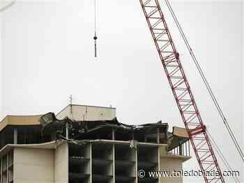 Hotel demolition requires weekend-long street closing