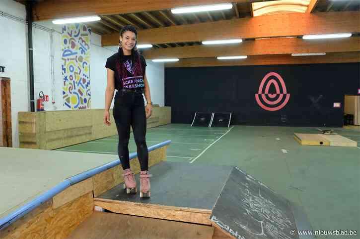 """Rolschaatsster Mary (25) brengt positiviteit naar Aalst met nieuw skatepark: """"Rolschaatsen heeft me zelf gered"""""""