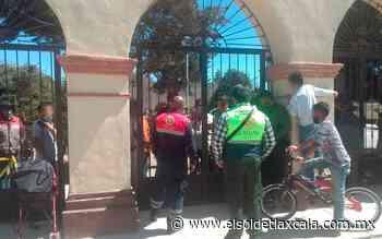 Bailan carnaval en el atrio de una iglesia, en Calpulalpan - El Sol de Tlaxcala